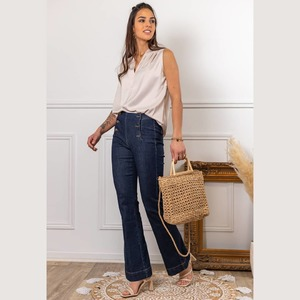 Alliez élégance et style avec le top EVA déclinable en beige, marine et jade. Découvrez également le jean PIERROT et le pantalon LEO.